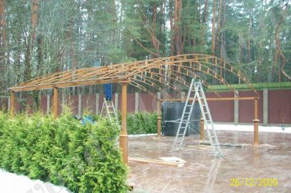 Деревянный навес - процесс стоительства