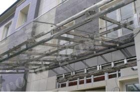 Процесс монтажа стеклянного навеса