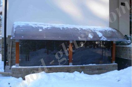 Защита от снега с помощью навеса